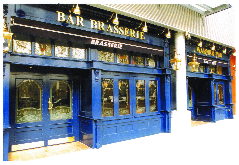 Warner Pub front