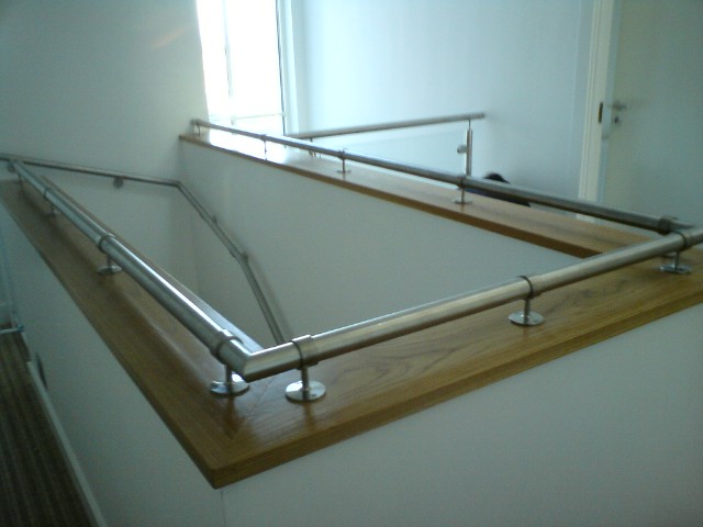 Stainless Steel Gallery Brackets